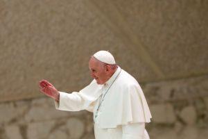 Κορωνοϊός : Ο Πάπας ακυρώνει τις γενικές ακροάσεις του παρουσία πιστών