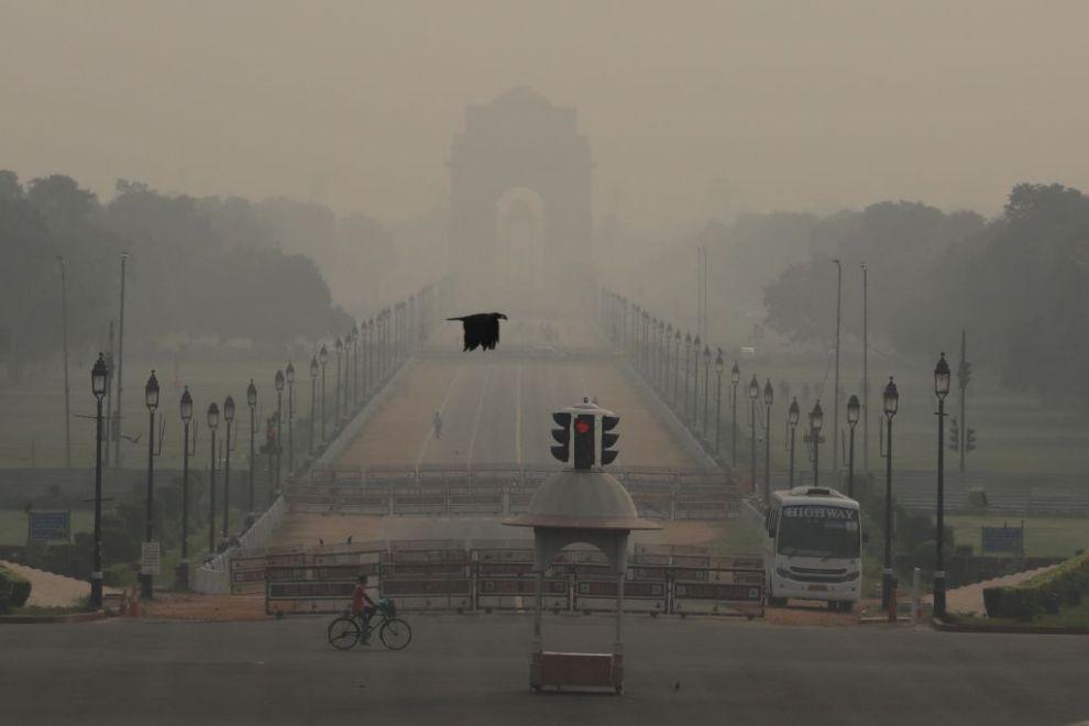 Τοξική ατμόσφαιρα και κορωνοϊός: Το διπλό χτύπημα που απειλεί την Ινδία - Ειδήσεις - νέα - Το Βήμα Online