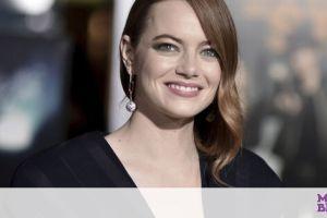 Emma Stone: Η έξοδος με φουσκωμένη κοιλιά και cozy look