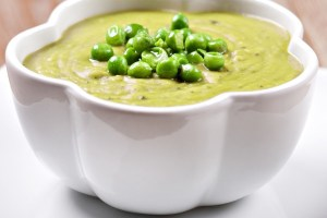 Βελουτέ σούπα με αρακά και πατάτα - Shape.gr