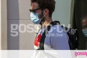Κωνσταντίνος Αργυρός: Με μάσκα προστασίας για ψώνια στο Κολωνάκι