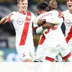 Premier League: Οι «Λύκοι» φρέναραν τους «Άγιους» (video+photos)