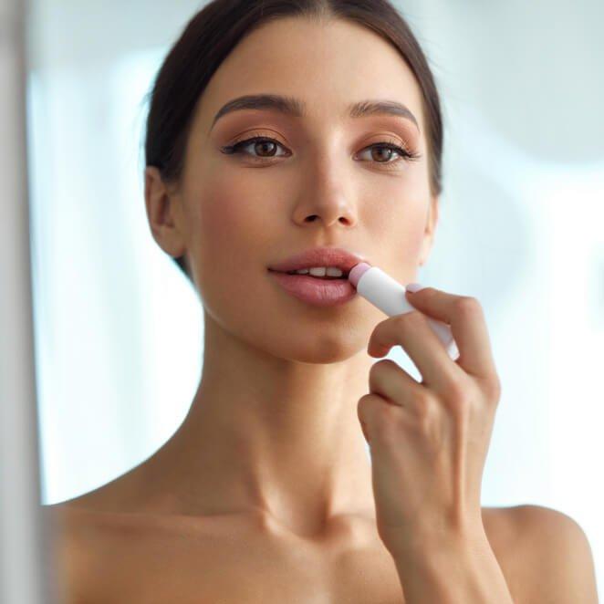 Tα προϊόντα μακιγιάζ που πρέπει να πετάξεις πριν έρθει η νέα χρονιά - Shape.gr