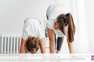 Γυμναστική για μαμάδες: Κάντε 10.000 βήματα μέσα στο σπίτι & κάψτε θερμίδες