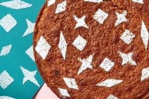 Κέικ με κανέλα και μπαχαρικά: Εορταστική συνταγή που θα κλέψει τις εντυπώσεις - Shape.gr