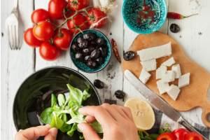 ΟΔΗΓΟΣ: Αυτές είναι οι 12 απαραίτητες βιταμίνες και οι καλύτερες πηγές τους! Να σε ποιες τροφές θα τις βρεις - Shape.gr