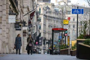 Βρετανία: Από Μάρτιο η χαλάρωση των μέτρων