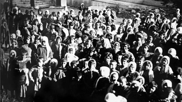 Η ιστορία του «ΕΝΦΙΑ»: Από τη Μικρασιατική Καταστροφή έως σήμερα
