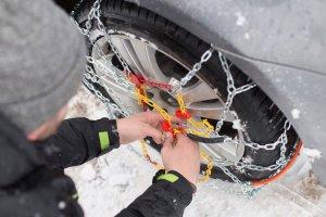 Τι πρέπει να έχετε στο αυτοκίνητο σε περίπτωση χιονόπτωσης