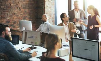 'Eρευνα: To 59% των εργαζομένων επιλέγουν την «εργασία στο γραφείο»