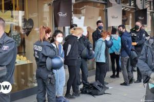 Κατάληψη του ελληνικού προξενείου στο Βερολίνο | DW | 24.02.2021