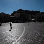 Lockdown: Στο «κόκκινο» το έλλειμμα και το χρέος