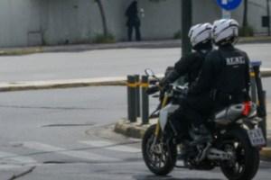 Νέα Σμύρνη: Συμπλοκή ατόμων με αστυνομικούς της ΔΙΑΣ