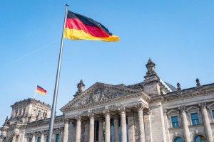 """Γερμανία: Ο Ομοσπονδιακός Πρόεδρος Σταϊνμάιερ υπέγραψε το """"φρένο έκτακτης ανάγκης"""" για την πανδημία"""