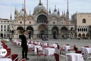 Χαλαρώνουν τα μέτρα στην Ιταλία | DW | 26.04.2021