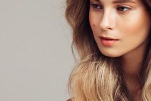 Wafty bangs: To νέο hair trend που ταιριάζει σε όλες τις γυναίκες