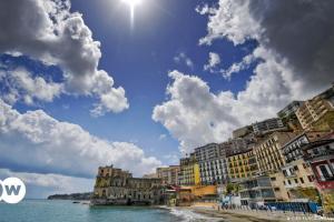 Ελάτε στην πατρίδα για διακοπές λένε ιταλοί πολιτικοί | DW | 27.05.2021