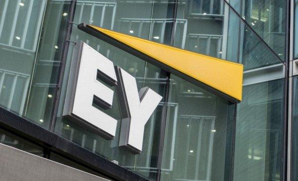 EY: Πώς οραματίζονται την επόμενη μέρα της πανδημίας εργοδότες και εργαζόμενοι;