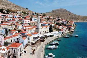 Tagesspiegel: Η Ελλάδα ανοίγει για τουρίστες | DW | 15.05.2021