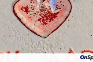 Γνωστός άσος έκανε ρομαντική πρόταση γάμου στις Μαλδίβες μετά από δέκα χρόνια σχέσης (vid&pics)