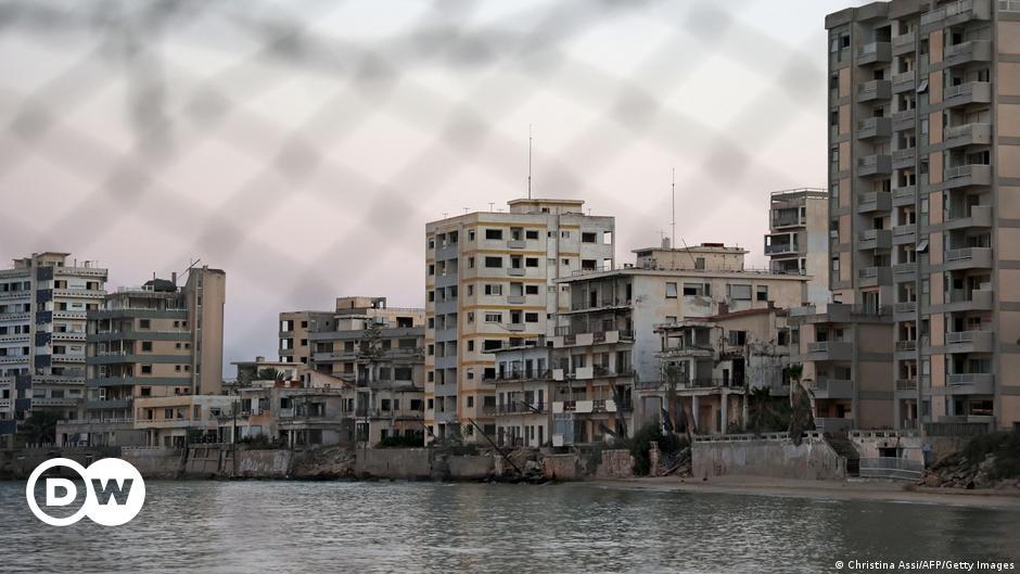 Κύπρος: Αμηχανία και αναβρασμός για τα Βαρώσια   DW   21.07.2021