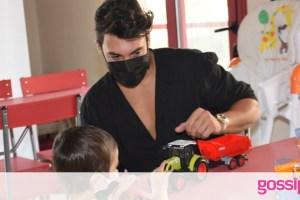 Ο Γιώργος Ασημακόπουλος συνεχίζει να προσφέρει… Στοργή στα παιδιά με καρκίνο