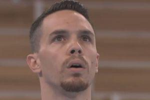 Ο δύο φορές χρυσός Ολυμπιονίκης Μαξ Ουίτλοκ ανέβηκε στον πλάγιο ίππο 10 δευτερολέπτα πριν κρατηθεί ο Πετρούνιας από τους κρίκους