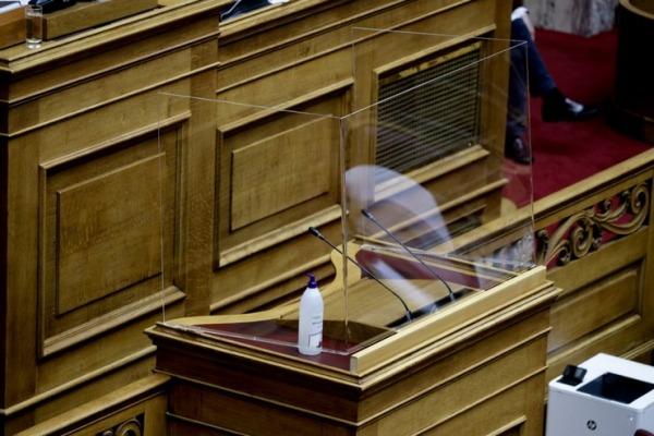 Τροπολογία  στη Βουλή για τον υποχρεωτικό εμβολιασμό