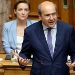 Χατζηδάκης: Οι επικουρικές συντάξεις θα αυξηθούν κατά 43-68%
