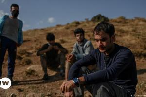 ΤΑΖ: Αφγανοί πρόσφυγες δυο ταχυτήτων | DW | 20.08.2021
