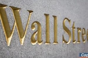 Wall Street: Διπλό ρεκόρ με ώθηση από τα στοιχεία για την εργασία