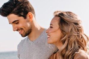 Είσαι ακόμα κολλημένη με τον πρώτο σου έρωτα; Καιρός να προχωρήσεις!
