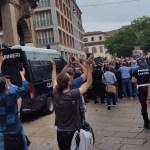 Ιταλία – Ένταση σε διαδήλωση 1.500 αντιεμβολιαστών στο Μιλάνο για το πράσινο πάσο - Ειδήσεις - νέα - Το Βήμα Online
