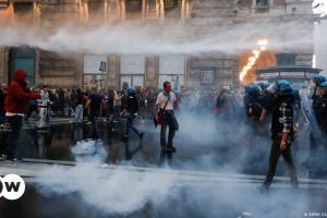 Ρώμη: Νεοφασίστες εισβάλλουν σε συνδικάτο | DW | 10.10.2021