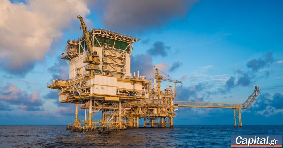 Σταθερά πάνω από τα 80 δολάρια το βαρέλι το πετρέλαιο