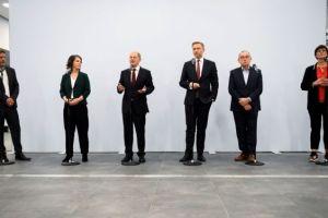 «Κόντρες» για οικονομία και υπουργεία σε μία κυβέρνηση Σολτς