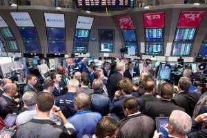 Wall Street: Πληθωρισμός και εταιρικά έφεραν συγκρατημένα κέρδη