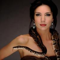 Специален женски хороскоп! Вижте каква змия сте според зодията!