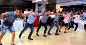 Вижте този уникален шопски танц на момчета от Враца