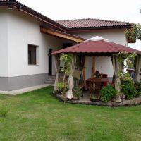 Така се ремонтира къща в българско село (СНИМКИ)