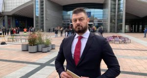 Ето го джипа на Бареков който дари на новата лаборатория в Пловдив!