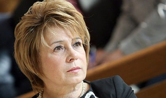 Масларова: Хора работили 35-40 години ще получат 350-400 лв пенсия а който не е работил 300 лева