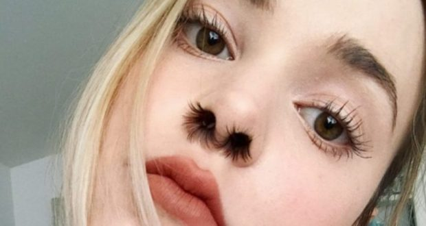 Жените полудяха по нова абсурдна мода – екстеншъни за косми в носа!