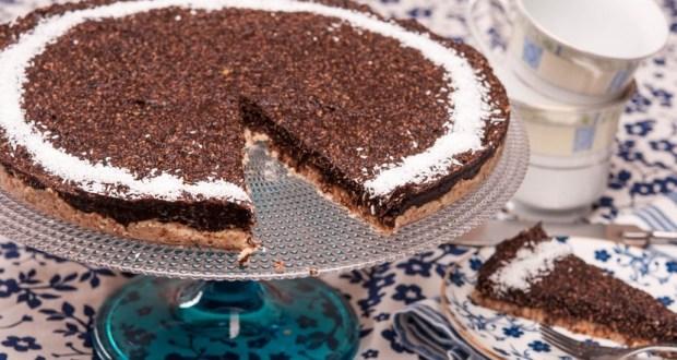 Сурова бананова торта с кокос - няма какво да объркате