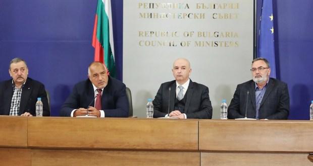 Борисов: Една година не спряха да се подиграват с Щаба и казваха че двама генерали плашат народа