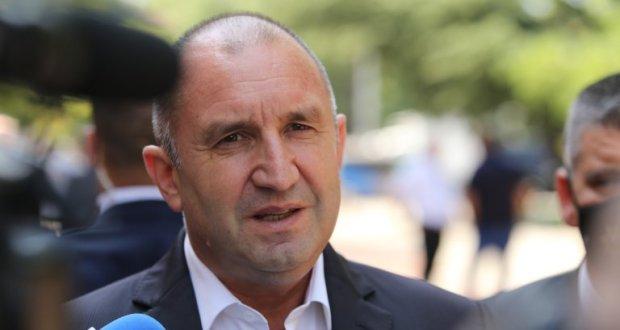 Социолози: Догодина ще сме президентска република начело с Румен Радев!