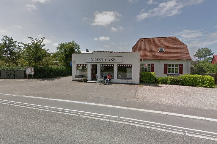 Vaskeriet i Frederiksværk, der blev udsat for røveri. (personen på billedet har ikke noget med sagen, at gøre) -red.) Foto: Google Streetview.