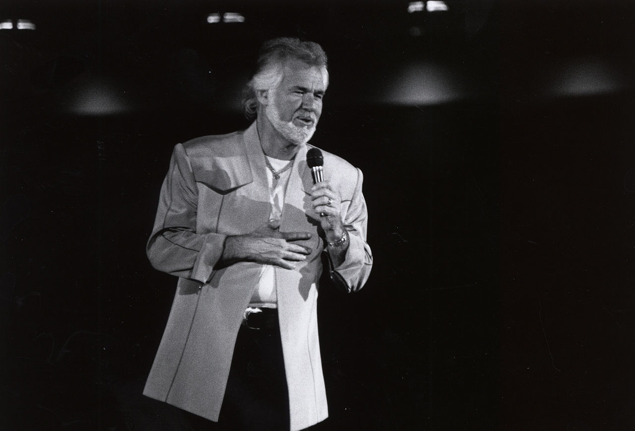 Kenny Rogers ved Frontier Feista i 1981 på University of Houston. Foto: University of Houston.