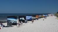 Ausstellung direkt am Strand