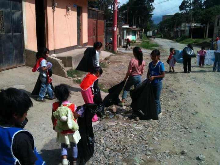 Ricardo Armas, Recolección de Basura en Itzapa